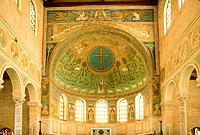 Dome, Ceiling fresco in the church ´San Vitale´, Ravenna, Italy