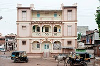 Building of a sheth mohanlal uttamchand dharmashala , Patan , Gujarat , India