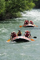 Water sports in Noguera Pallaresa river near of Llavorsi, Pallars Sobira, lerida Pyrenees, Catalonia, Spain