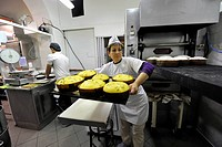 lavorazione artigianale del panettone, pasticceria