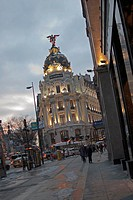 The Metropolis Building or Edificio MetrÛpolis Spanish is an office building in Madrid, Spain, at the corner of the Calle de Alcal· and Gran VÌa