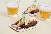 Salmon bread with horseradish