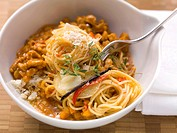 Spicy spaghetti with veal ragout