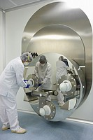 Powder mixer, Clean room, Pharmaceutical plant, Drug manufacturing plant, Research Center, Pharmacy, Area Health, Tecnalia Research & Innovation, Arab...