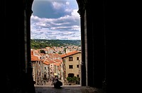 France, Auvergne, Haute Loire, Pilgrimage to Santiago de Compostela: at the door of the Cathedrale of Le Puy en Velay, just before starting the long w...
