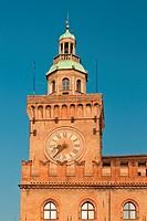 torre dell´orologio, palazzo d´accursio, bologna, emilia romagna, italia