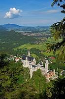Neuschwanstein Castle, Schloss Neuschwanstein, Allgau, Fussen, Allgaeu, Fuessen, Romantic Road, Romantische Strasse, Bavaria, Germany, Europe.