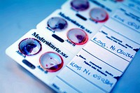 Medtrokarte for Bedside test for the blood group definition immediately in front of a blood transfusion in particular to avoid mistakes blue verfremde...