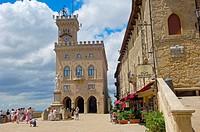 Liberty Statue and Palazzo Pubblico, Piazza della Libertà, Monte Titano, San Marino, Republic of San Marino, Europe
