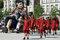 EL XOLO SHOW BY THE ROYAL DE LUXE, CREATION BY THE THEATER COMPANY FOUNDED BY JEAN_LUC COURCOULT AND INSPIRED BY ITS SHOW IN MEXICO IN NOVEMBER 2010. ...