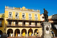 Monument to Pedro Heredia, Plaza de la Coches, Old Town, UNESCO World Heritage Site, Cartagena, Colombia, South America