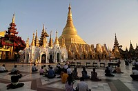 World famous Shwedagon Paya, Yangon Rangoon, Myanmar, Asia