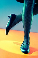 Close up of a tap dancer´s legs