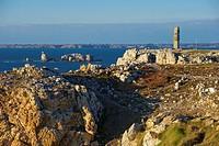 Memorial, Pointe de Penhir, Camaret sur Mer, Crozon Peninsula, Finistere, Bretagne, France, Europe