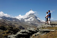 Hikers in front of the Matterhorn, Riffelberg, Zermatt, Valais, Swiss Alps, Switzerland, Europe