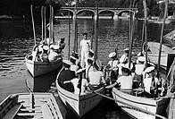 ponte isabella, esercitazione di giovani marinai sul po, torino, piemonte, italia 1920 1930