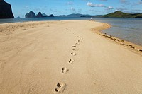 footprints on a sand island near el nido and corong corong, bacuit archipelago palawan philippines