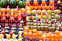 Egypt, Cairo, Khan El Khalili souk, fruits shop