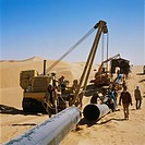 North Yemen, Mareb Ma´Rib, Ar_Rub_Al_Khali the empty quarter. Yemen´s first oil pipeline under construction in the desert by the company, Mannesmann A...