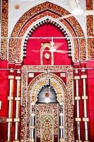 Golden Arch Jama´t Khana Mosque Nizamuddin Complex New Delhi India Grave of the Islamic Sufti Saint Sheikh Hazrat Nizamuddin Auliya, famous Sufti myst...