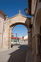 Arch in Pesquera de Duero, Valladolid, Route of the Castles of the Ribera del Duero, Castile and Leon, Spain, Europe