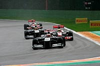 Qualifying, Rubens Barrichello BRA, Williams FW33 leads Lewis Hamilton GBR, McLaren Mercedes, MP4_26 3rd position, Belgian Grand Prix, Francorchamps