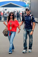 Pastor Maldonado VEN, Williams FW33 and his girlfriend