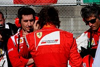 Race, Andrea Stella ITA Ferrari Race Engineer and Fernando Alonso ESP, Scuderia Ferrari, F_150 Italia, F1, Japanese Grand Prix, Suzuka, Japan