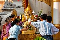 Nats, spirit worship, Shwedagon Pagoda, Yangon, Myanmar, Burma, Southeast Asia, Asia