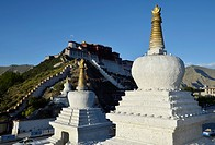 Tibetan chorten, stupa in front of Potala Palace, winter palace of the Dalai Lama in Lhasa, Tibet, China, Asia