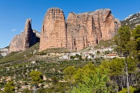 Riglos and the Mallos  Huesca  Aragón  Spain