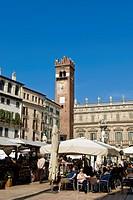 piazza delle erbe, verona, veneto, italia