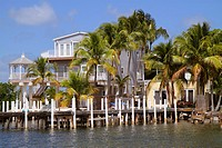 Florida, Upper Florida Keys, Key Largo, Blackwater Sound, Florida Bay, waterfront homes, houses, palm trees