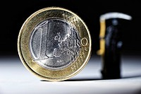 One euro coin and the Grim Reaper, symbolic image for euro crisis