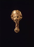 Gold earring, from Cerveteri (Lazio). Etruscan civilization, 4th Century BC.  Rome, Museo Nazionale Etrusco Di Villa Giulia (Villa Giulia National Mus...