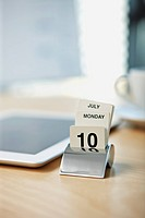 Calendar on desk (thumbnail)
