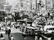 Streetscape of Bombay. India 20th century.