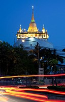 Wat Saket and the Golden Mount by night, Banglamphu, Bangkok, Thailand
