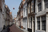 Typical alleyway, historic town centre, Middelburg, Walcheren, Zeeland, Netherlands, Europe
