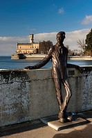 Dammglonker statue at the port of Langenargen in winter, Montfort Castle at the back, Lake Constance, Baden_Wuerttemberg, Germany, Europe