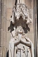 Heiligenfigur an der südlichen Querhausfassade , Kölner Dom, Köln, Nordrhein_Westfalen, Europa