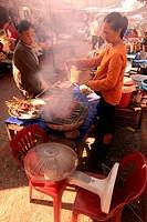 Auf dem Markt in der Altstadt von Luang Prabang in Zentrallaos von Laos in Suedostasien.