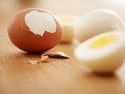 Hard_boiled brown eggs