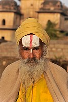 Sadhu or holy man, Orchha, Madhya Pradesh, North India, India, Asia