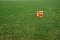 Sign in German, Rasen betreten verboten, Keep off the lawn