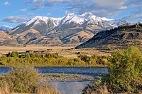 Emigrant Peak, 3327m, with the Yellowstone River, Absaroka Range, Paradise Valley, Livingston, Montana, USA