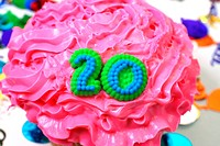 Number 20 celebration cupcake with confetti.