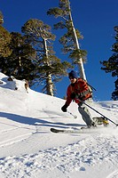 Man making a telemark turn