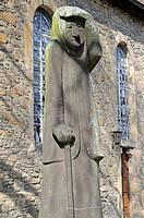 War Memorial, a mourning elderly woman by Professor Gerhard Marcks, St Paul´s Church, Kriegsdenkmal, die Trauernde Alte von Professor Gerhard Marcks, ...