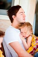 Vater und Tochter entspannt